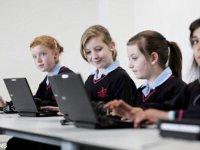 laptop iskola tanulás